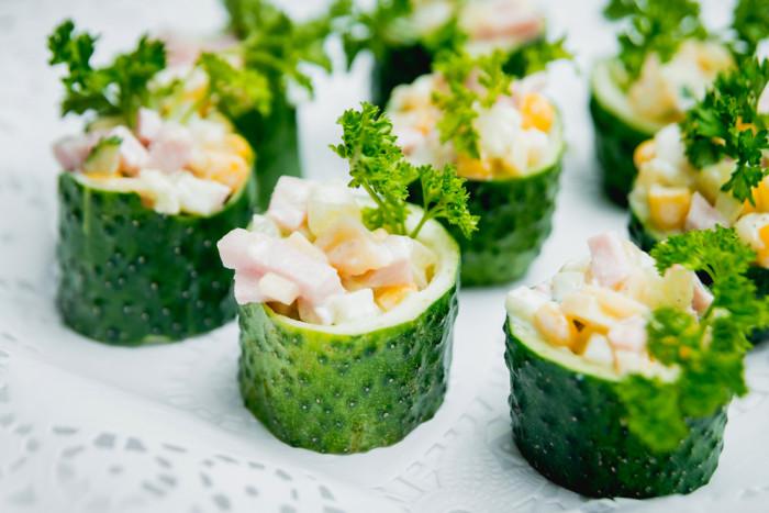 Огурцы фаршированные салатом