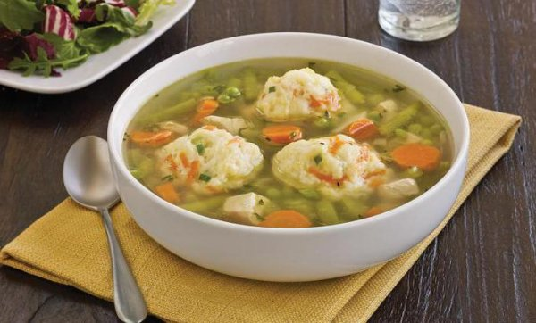 Куриный суп чесночными галушками-рулетиками — наваристый и ароматный!