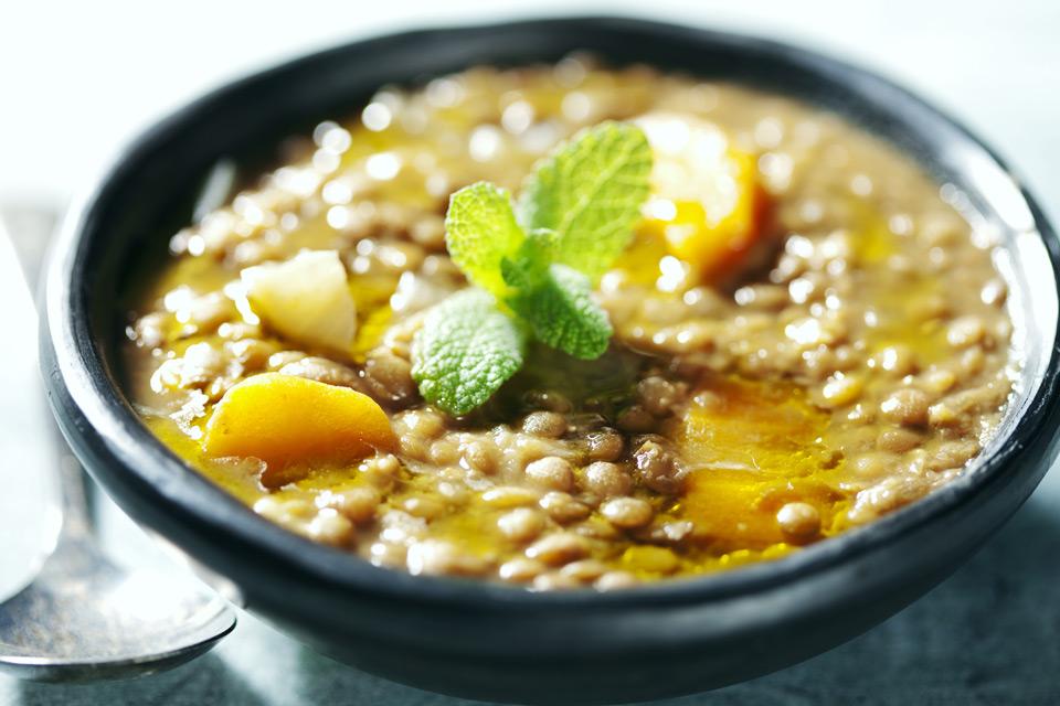 Чечевичный детокс-суп в мультиварке