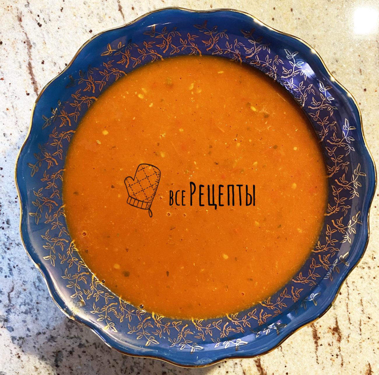 Быстрый суп из помидоров и базилика