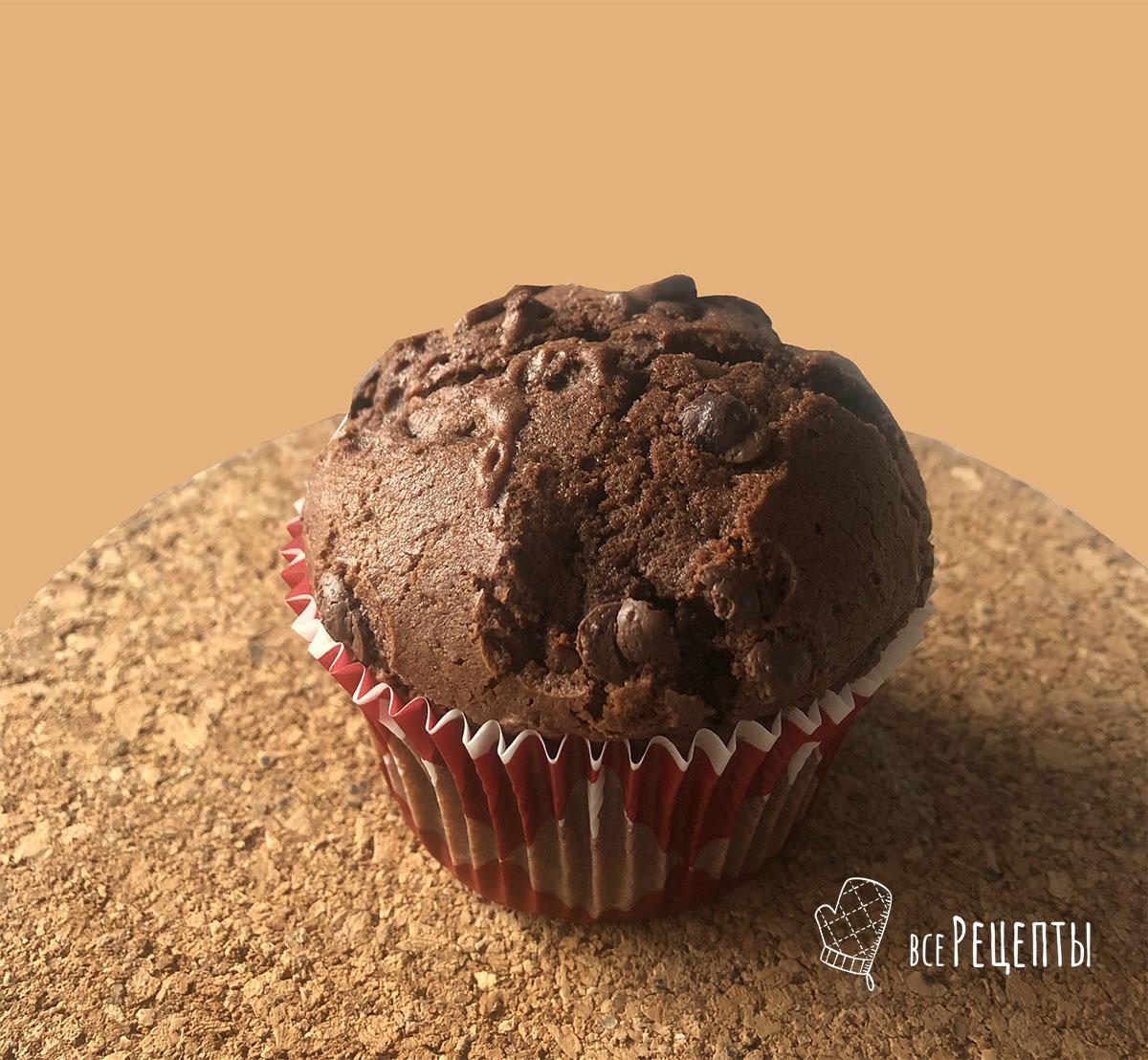 Шоколадные маффины с шоколадными крошками